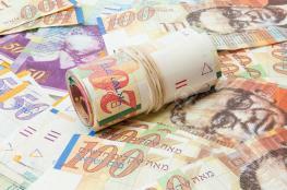 أسعار العملات: ارتفاع طفيف في سعر صرف الدولار والدينار