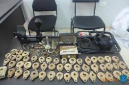 الشرطة تقبض على شخص بتهمة التنقيب عن آثار في جنين