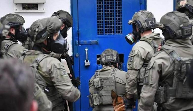 """أبو بكر: """"إسرائيل"""" تشن هجمة غير مسبوقة بحق الأسرى"""