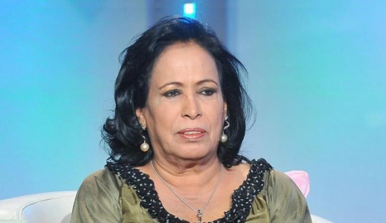 فنانة كويتية تدعو لطرد الوافدين ومصابي كورونا من البلاد