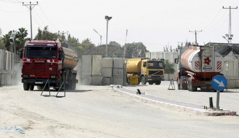 توقعات بادخال  مصر 16 شاحنة غاز الى قطاع غزة