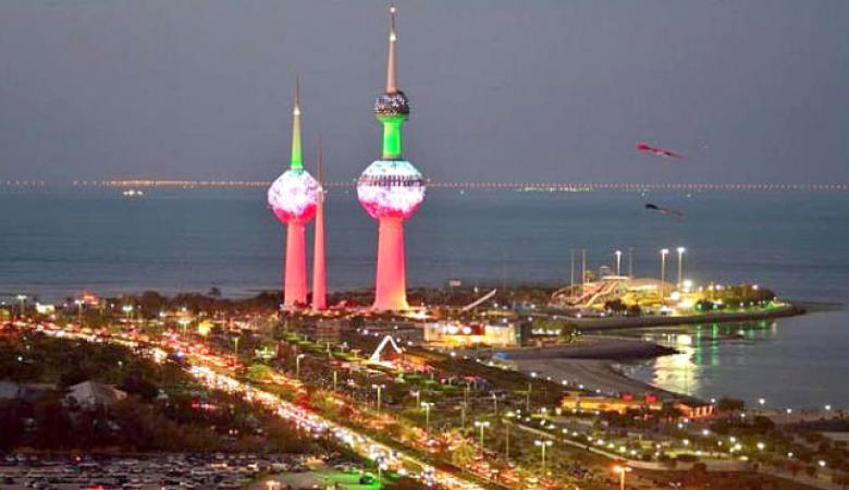 الكويت ترحل عشرات الآلاف من الوافدين