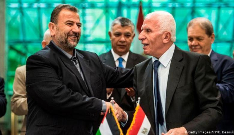 حماس تدعو الشعب للضغط على فتح لانهاء ملف الانقسام