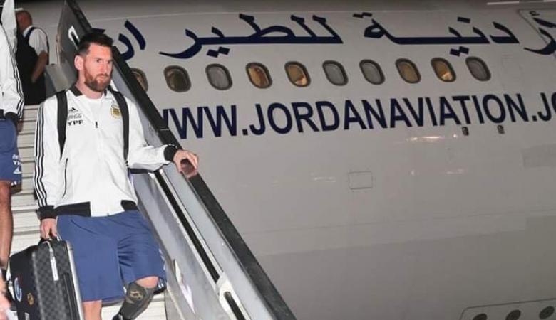 """ميسي يصل """"تل أبيب"""" برفقة المنتخب الأرجنتيني على متن طائرة اردنية"""