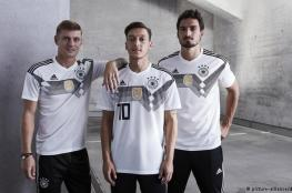 المنتخب الألماني يكشف عن قميصه الجديد في مونديال روسيا