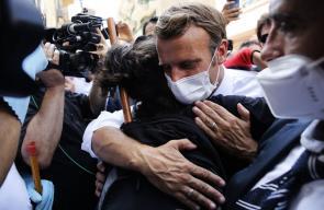 جانب من زيارة الرئيس الفرنسي للعاصمة اللبنانية بيروت للاطلاع على الكارثة