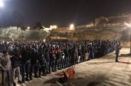 قوات الاحتلال تعتدي على المصلين واعتقالات بالأقصى وباب حطة