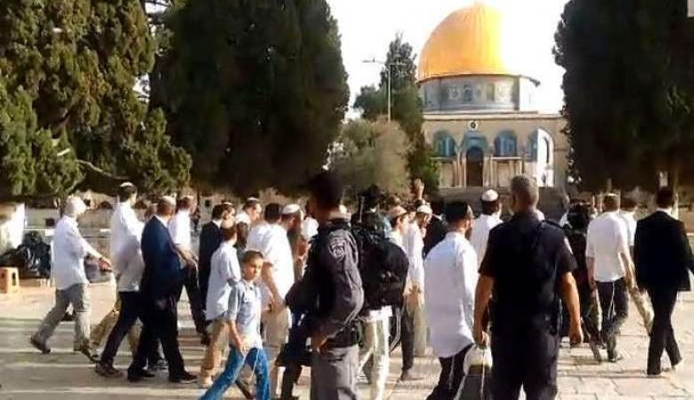 أكثر من 120 مستوطنا يقتحمون المسجد الأقصى المبارك صباح اليوم