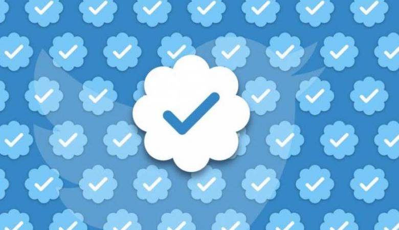العلامة الزرقاء في تويتر .. معايير جديدة تفرضها المنصة