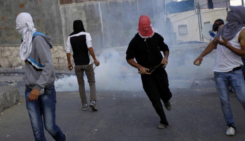 عشرات الاصابات خلال اقتحام الاحتلال لمخيم العروب