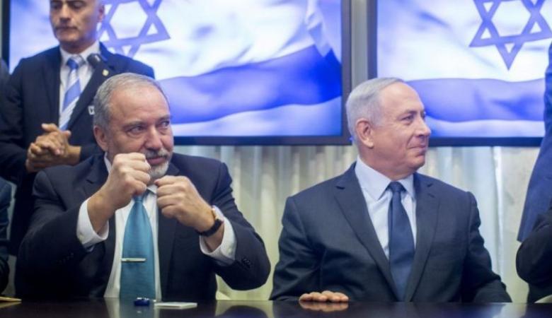 """ليبرمان: نتنياهو بدأ حملته الانتخابية بدفع ثمن """"رغيف شاورما"""""""