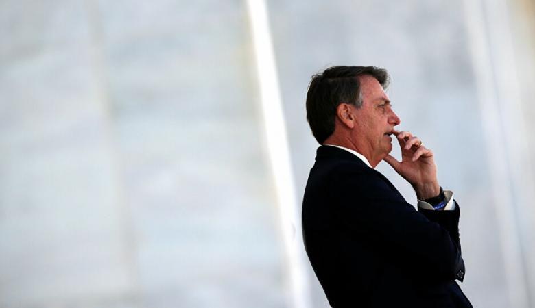 الرئيس البرازيلي يشتاط غضبا من كورونا خلال مقابلة تلفزيونية