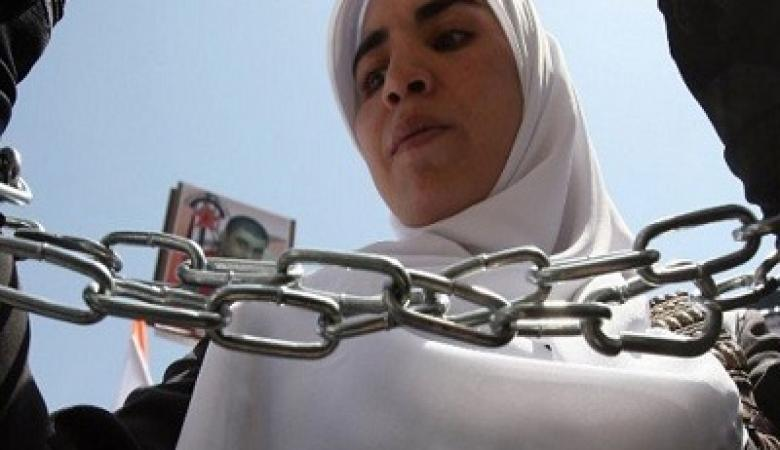 سجن الدامون ...الاحتلال يواصل قهر الأسيرات وهيئات فلسطينية تحذر