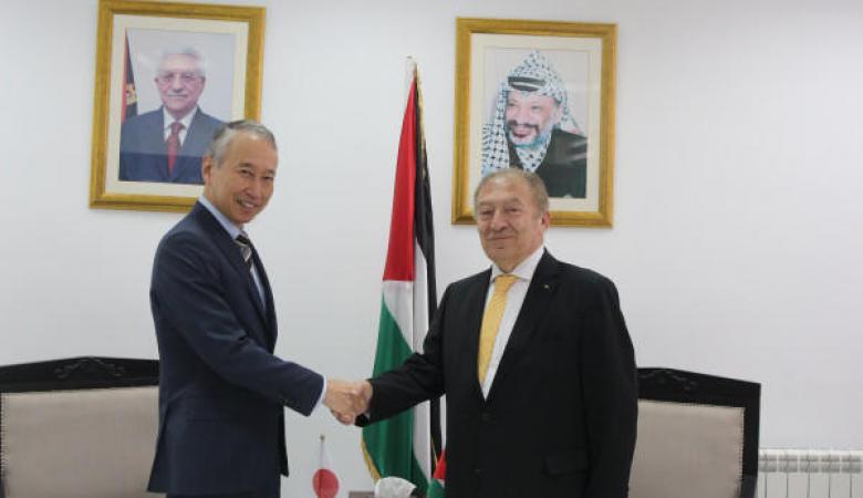 الحكومتان الفلسطينية واليابانية تطلقان برنامج ترويج الصناعة