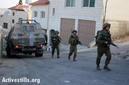 قوات الاحتلال تعتقل عشرة مواطنين من الضفة بينهم سيدة