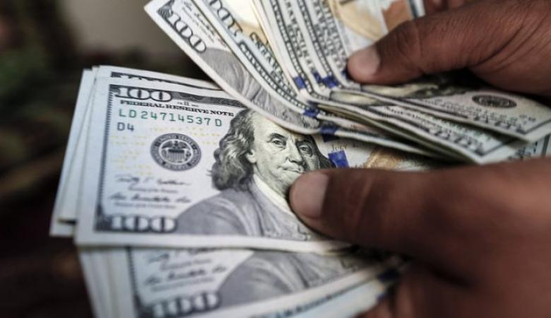 شركة تمنح اجازات ومكآفات مالية لاسعاد موظفيها