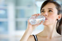 مفاجأة ...شرب الماء يزيد من وزنك !