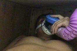 للمغامرة فقط.. شاب عراقي يدفن نفسه بالقبر بعد أن تم تغسيله وتكفينه