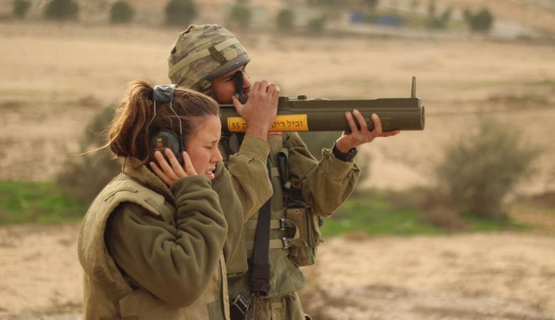 سرقة عشرات قطع الأسلحة والقنابل من قاعدة عسكرية اسرائيلية