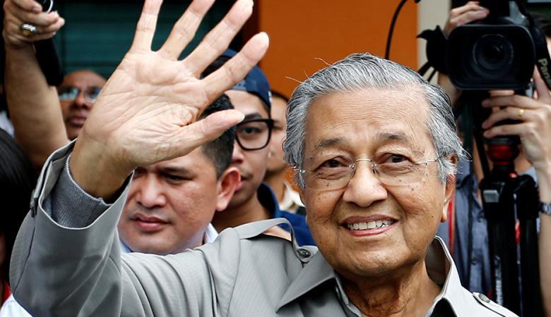 رئيس وزراء ماليزيا  يصفع اسرائيل : أراضينا حرام عليكم