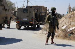 قوات كبيرة من جيش الاحتلال تداهم بيت كاحل شمال غرب الخليل