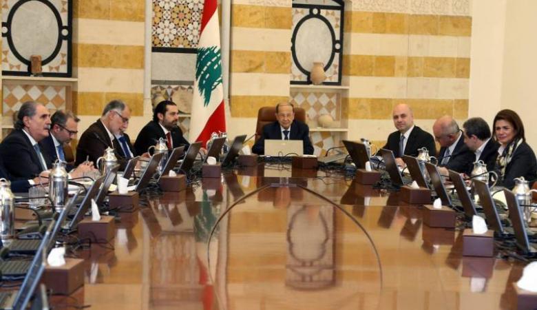 الحريري يلغي اجتماع مجلس الوزراء وأحزاب تُطالب برحيل الحكومة