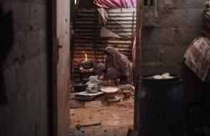 هكذا تمضي شهر رمضان هذه الاسرة الفلسطينية الفقيرة بغزة