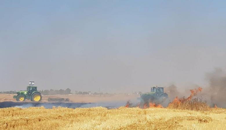اشتعال 8 حرائق في مستوطنات القطاع وسط عجز اسرائيلي