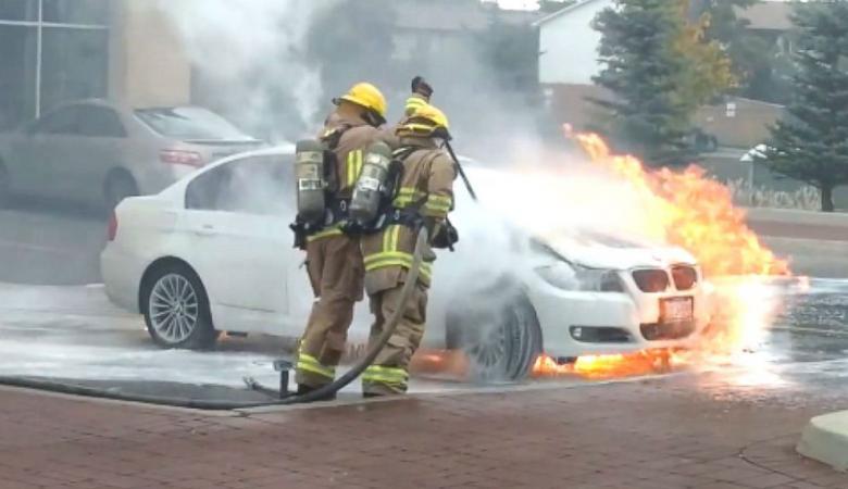 """شاهد ..حرائق غامضة تصيب العشرات من سيارات """"BMW """""""