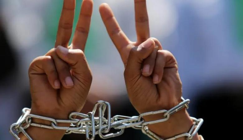 الاسيران الاخرس وأبو عرام يواصلان اضرابهما عن الطعام