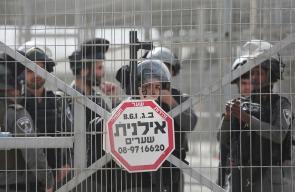 الاحتلال يغلق حاجز قلنديا العسكري بعد اصابة فلسطينية بنيران جنوده