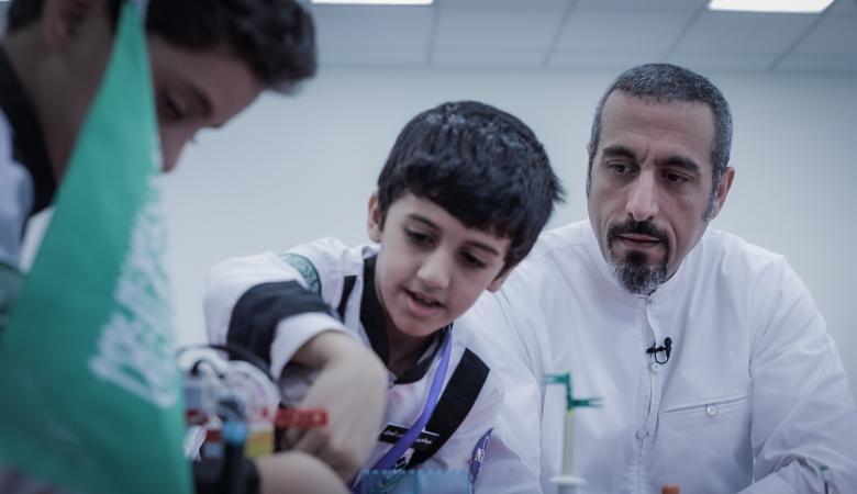 أحمد الشقيري يعود بقوة بعد غياب استمر لسنوات
