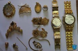 الشرطة تكشف ملابسات سرقة 200 غرام من المصاغ الذهبي بالخليل