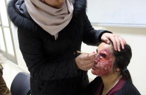 رغد القواسمه (17 ) عاما، موهبة فلسطينية تجيد فن المكياج السينمائي