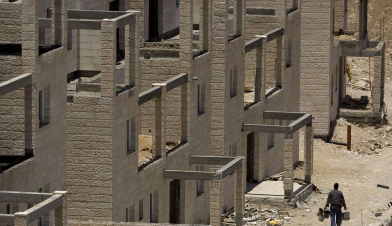 البنوك الاسرائيلية الكبيرة  تدعم الاستيطان بالضفة الغربية