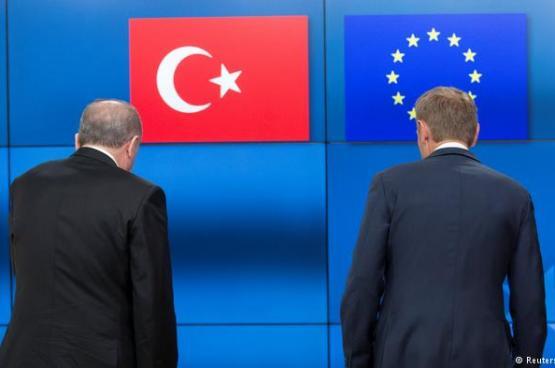 الاتحاد الأوروبي يخفض مخصصات انضمام تركيا