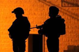 قوات الاحتلال تعتقل 6 مواطنين من الضفة الغربية فجر اليوم