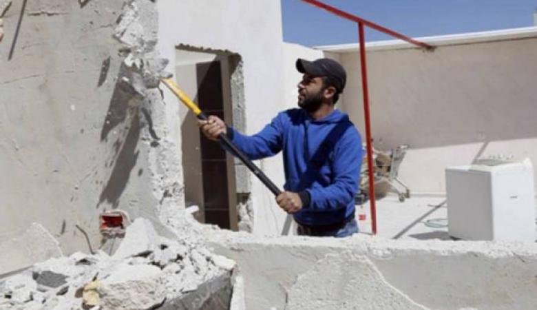 الاحتلال يجبر مقدسياً على هدم منزله في صور باهر