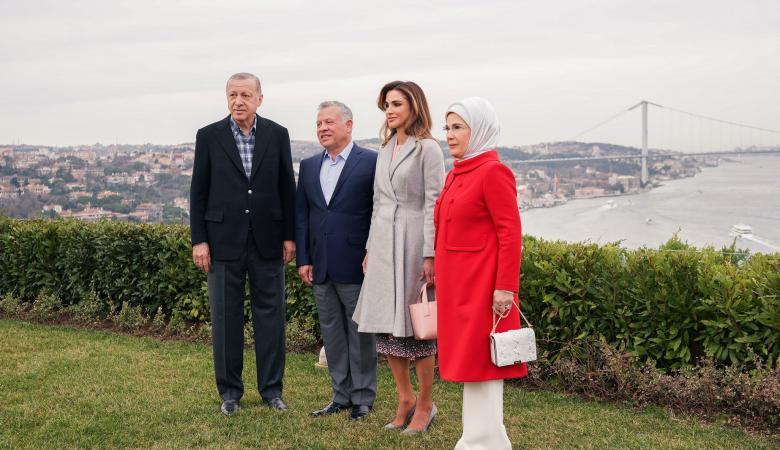"""عقيلة أردوغان تستعرض مشروع """"صفر نفايات"""" في الأردن"""