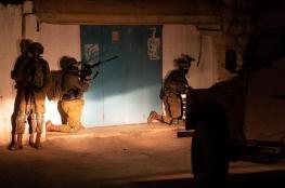 الاحتلال يعتقل 8 مواطنين من الضفة الغربية
