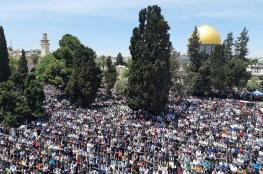200 ألف فلسطيني يؤدون صلاة الجمعة الأولى من رمضان في الأقصى