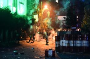 مواجهات وكر وفر بين القوات اللبنانية والمتظاهرين المحتجين