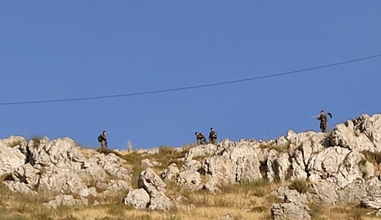 مستوطنون يهاجمون منزلا في قرية بورين جنوب نابلس