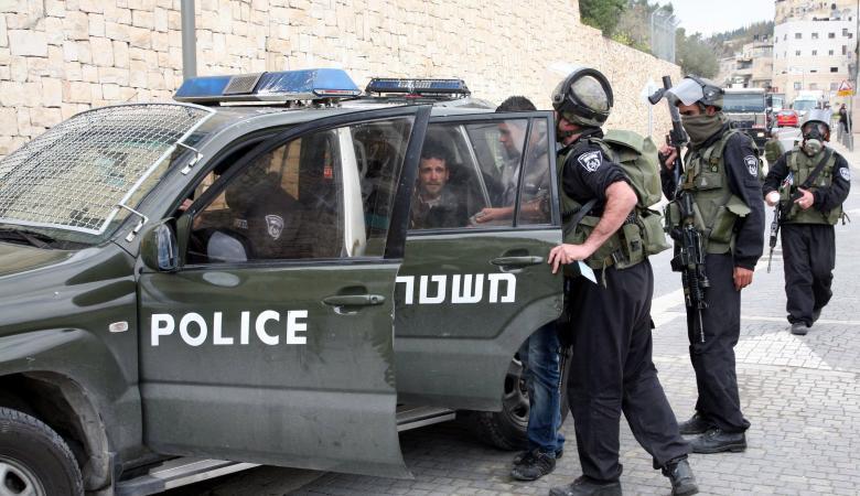 الاحتلال يعتقل شابين من سلوان