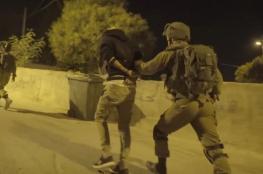 الاحتلال يعتقل 50 فلسطينياً بالضفة الغربية فجراً