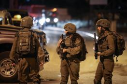 الاحتلال يشن حملة اعتقالات في أنحاء متفرقة بالضفة