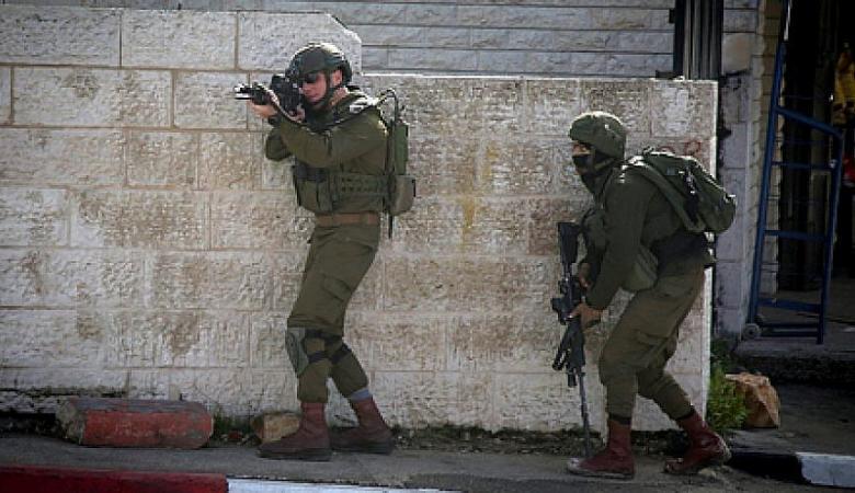 جيش الاحتلال يتوعد برد قاس على اي عملية فلسطينية