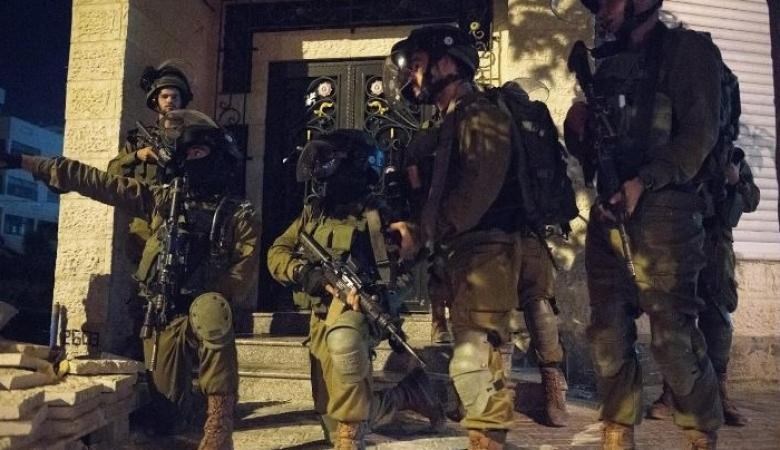 الاحتلال يشن حملة اعتقالات في الضفة والقدس
