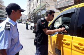 حملة مرورية في الخليل، لمتابعة التزام سائقي المركبات بشروط السلامة العامة.