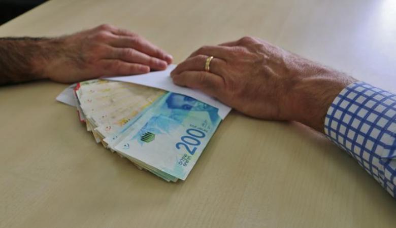 مكافحة الفساد تطلق أول تطبيق في فلسطين للشكوى على الفاسدين